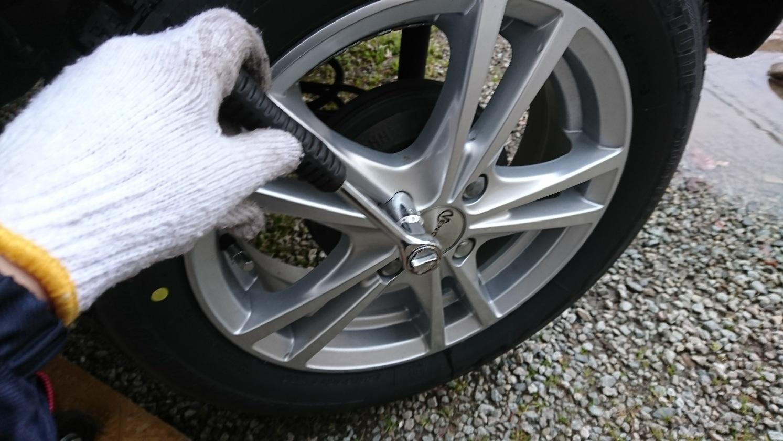 【2台で約1.7万円節約】タイヤは自力交換で節約可能