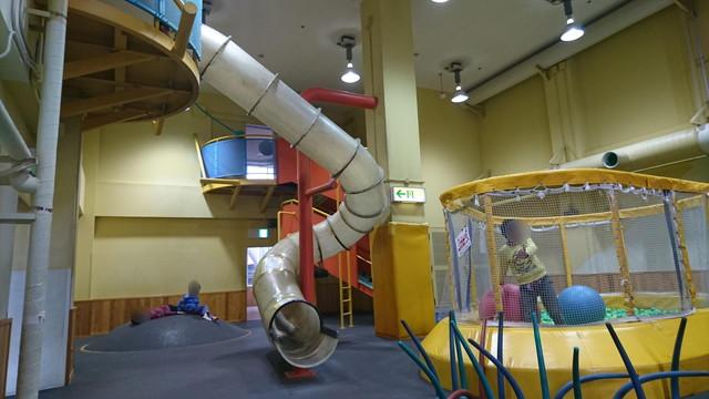 【やまぎんこども館のレビュー】街中にある屋内型児童公園のおすすめ