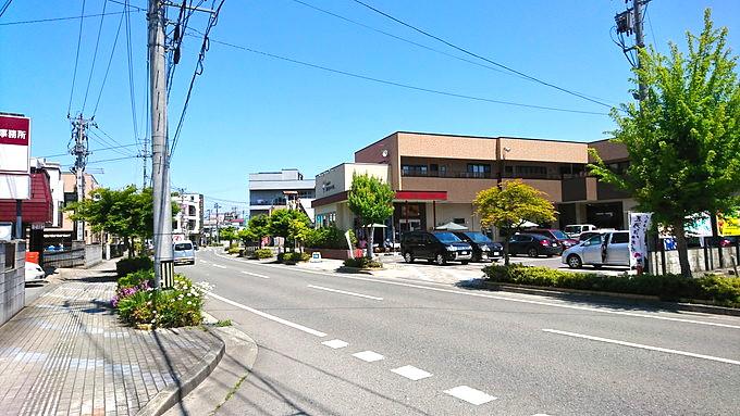 Ice cafe 弘水-赤塚製氷-道路から見える外観