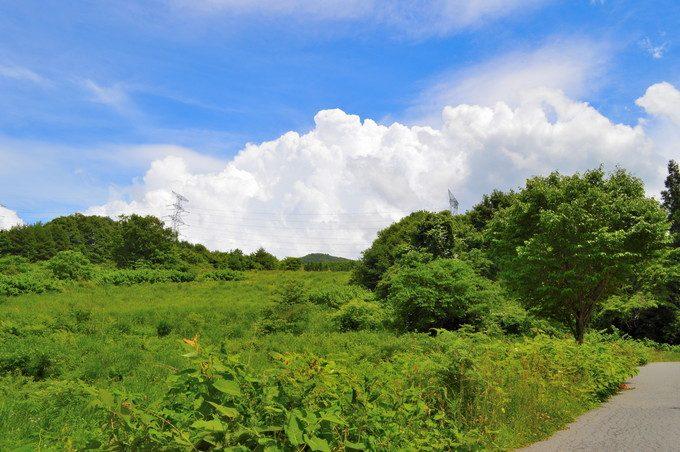 蔵王雲のベーカーリ-外観-道路から店舗反対側