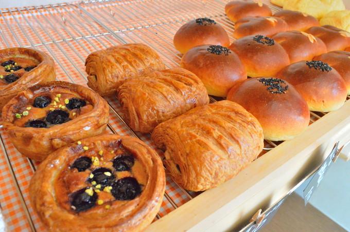 りんご苑のパン屋(ポム ド ジャルダン)を徹底レポ|米粉パンは食べ応え十分!