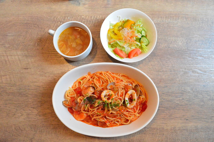 EST(エスト)-ランチメニュー-魚介のトマトソーススパゲッティ1
