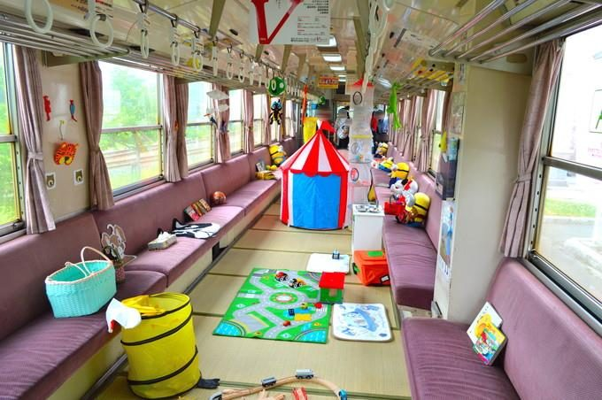 フラワー長井線-キッズ列車-車内の様子1