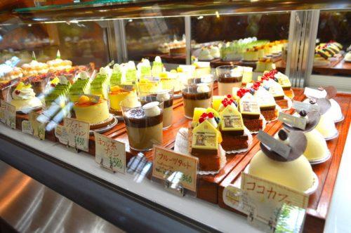 【食レポ】デジョワ(D.joie MANPEI)河北町本店|ケーキ、かき氷、パンなど種類が豊富なスイーツショップの紹介