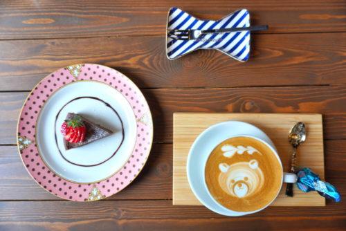 【食レポ】GIGI COFFEE BAR(山形市松見町)|こだわりインテリアに囲まれた隠れ家の様なカフェ