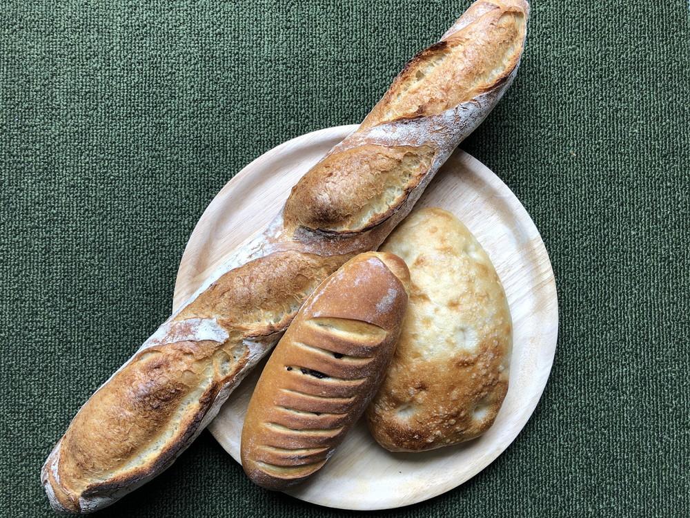 【食レポ】ハールモアチェ|ハード系パンが人気のお店が移転オープン