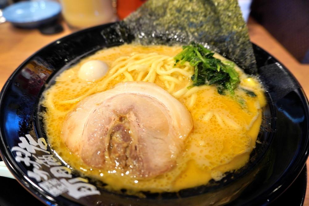 横浜家系ラーメン町田商店あかねヶ丘店-食レポ-ラーメン2