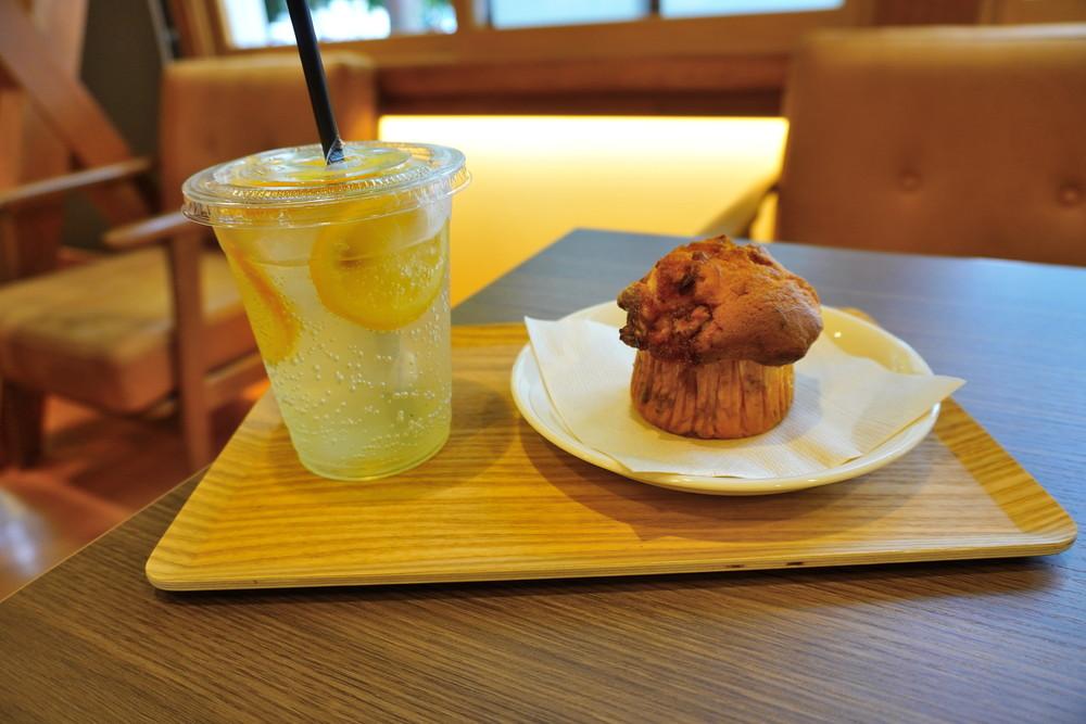 旧長井小学校第一校舎-マニーズカフェ-食レポ1