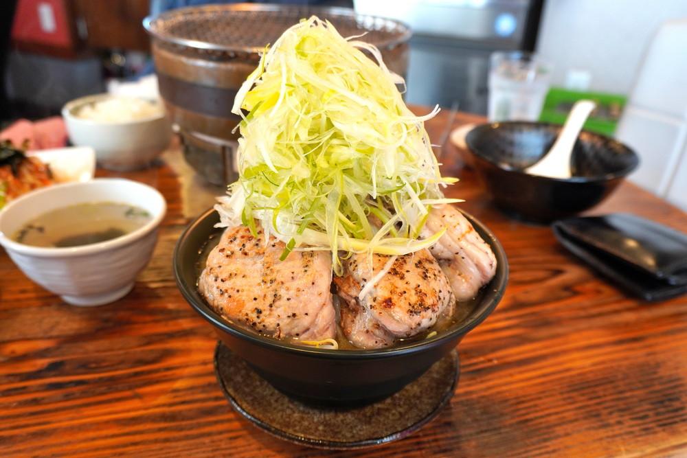 炭火焼肉ミートミート-食レポ-二郎系ラーメン1