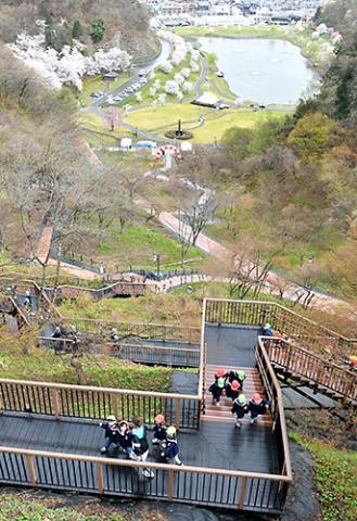 【山形ニュースポット】天童市の舞鶴山に「もみじ園」がオープン!(天童市天童)