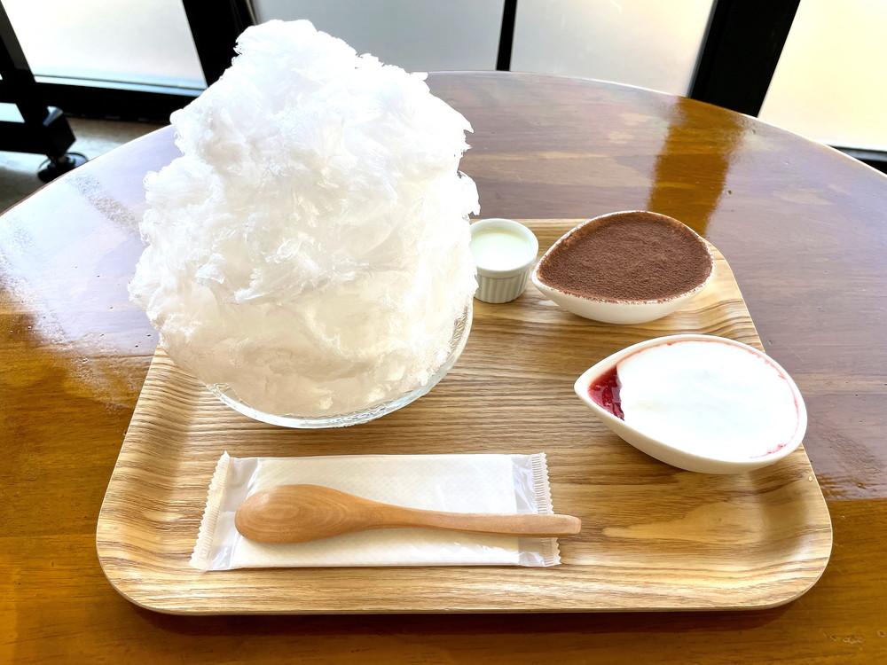 【かき氷レポ】御菓子処 蝶谷(寒河江市寒河江横道) ふわふわ氷に特製シロップが2つセット!